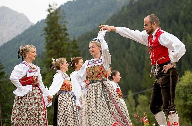 Tänze und Musik